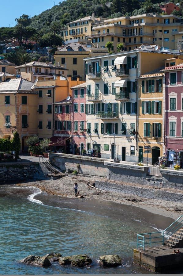 Nervi, Genova, Italia Villaggio di spiaggia fotografia stock libera da diritti