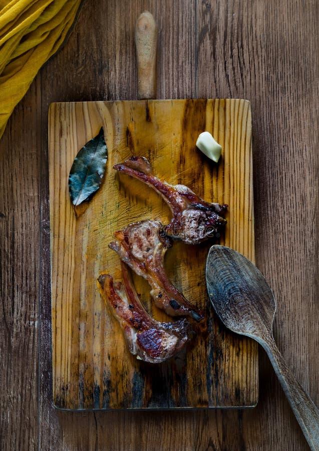 Nervures cuites d'agneau image libre de droits