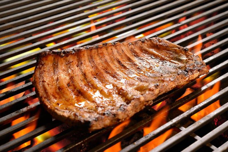 Nervures de porc grillées/bifteck image libre de droits