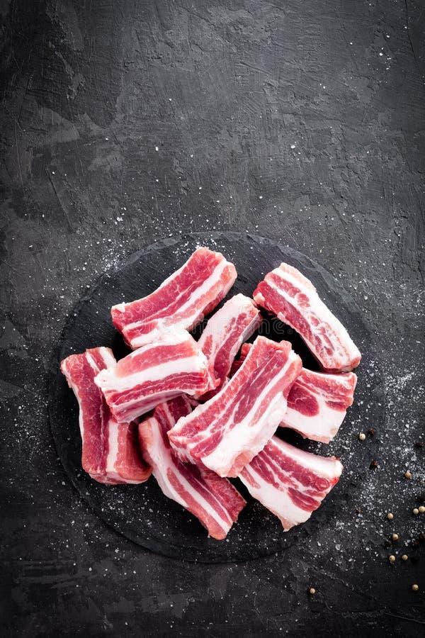 Nervures de porc, viande crue photos stock