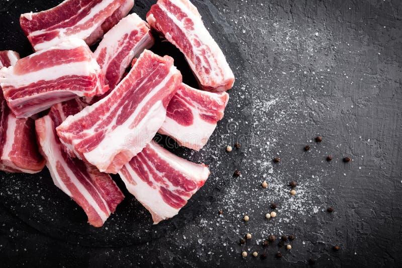 Nervures de porc, viande crue photographie stock
