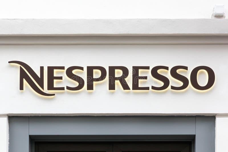 Nespressoembleem op een opslag stock fotografie