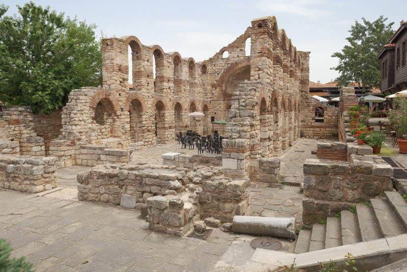 NESSEBAR, BULGARIEN, JUNY 18, 2016: die Ruinen alter Stadt alte Gebäude Nessebar stockfotos