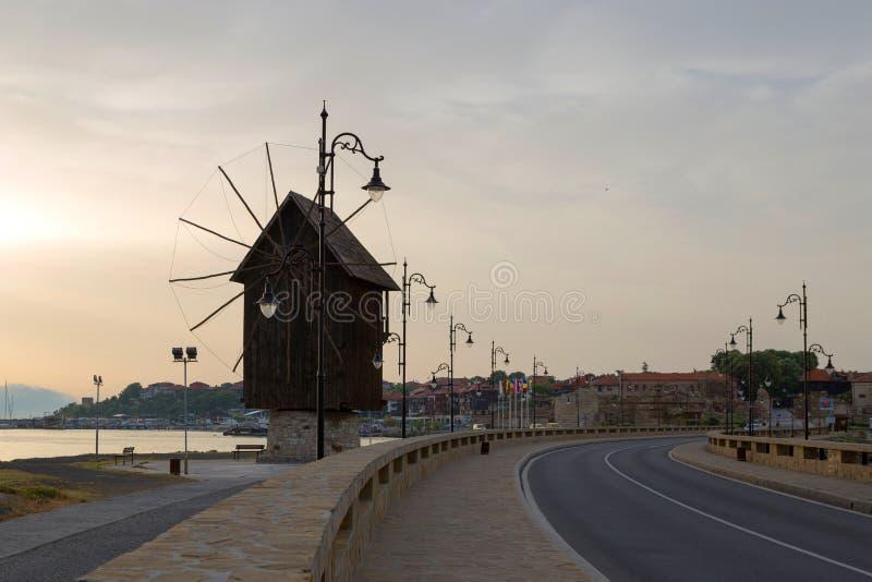 NESSEBAR, BULGARIJE, JUNY 20, 2016: stad van Nessebar Oude Windmolen royalty-vrije stock fotografie