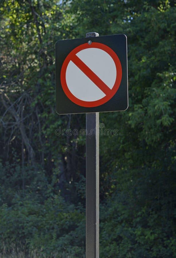 Nessun segno di parcheggio senza testo, aggiunge il simbolo come stato necessario fotografie stock libere da diritti