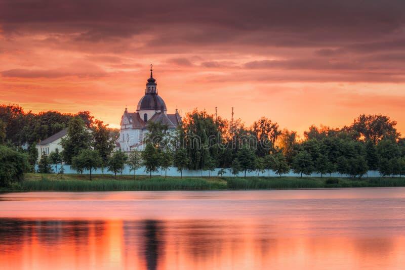 Nesvizh Minsk region, Vitryssland Corpus Christi Church And Castle arkivbild