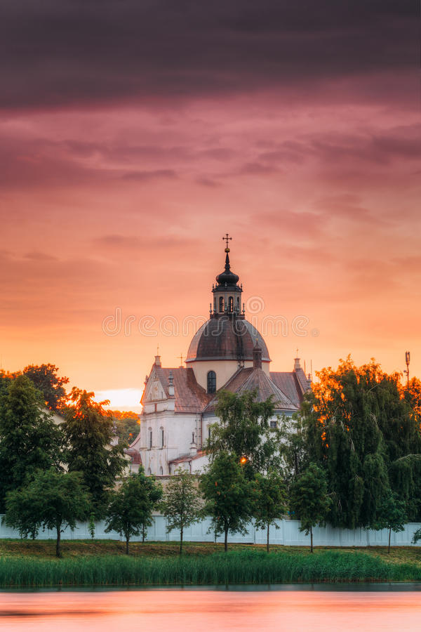 Nesvizh, région de Minsk, Belarus Corpus Christi Church And Castle photographie stock libre de droits