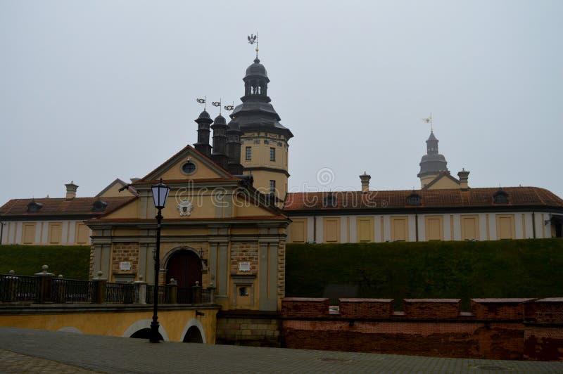 Nesvizh slott Historisk slott av medeltiden Envinter panorama fotografering för bildbyråer