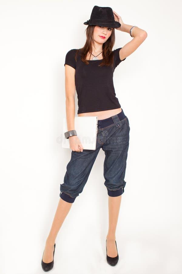 Download Netbook kobieta obraz stock. Obraz złożonej z kolia, atrakcyjny - 13325413