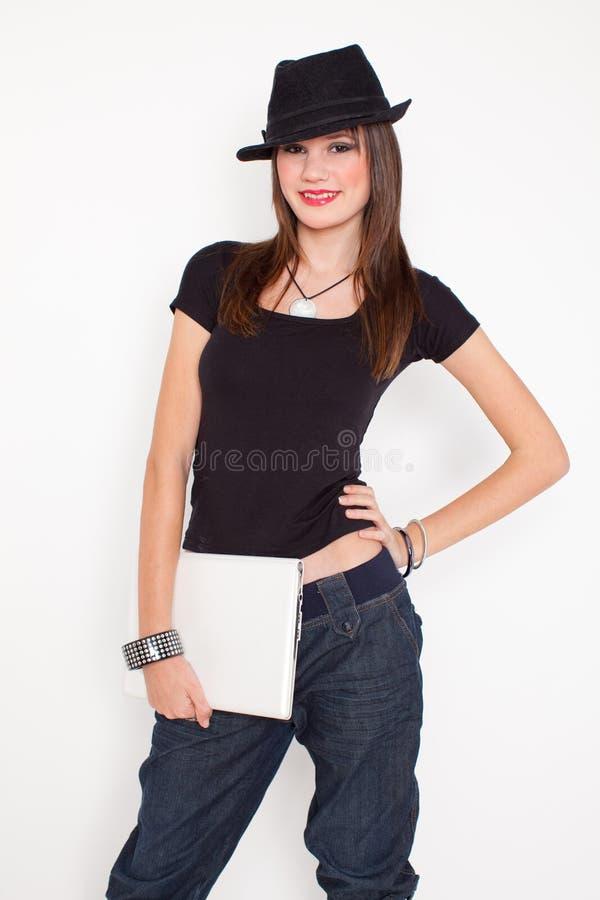 Download Netbook kobieta zdjęcie stock. Obraz złożonej z piękny - 13325450