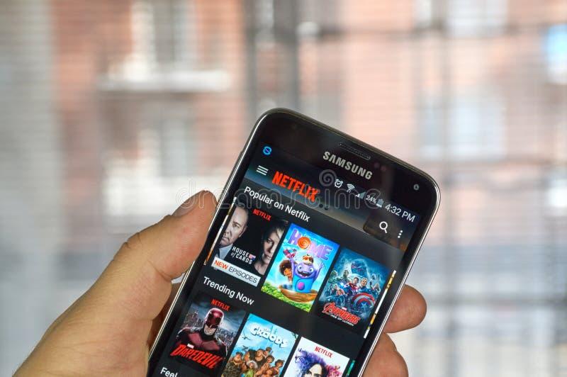 Netflix Handy