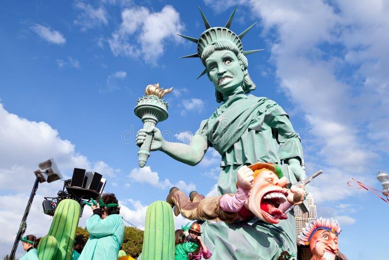 NETT, FRANKREICH - 26. FEBRUAR: Karneval von Nizza in französischem Riviera. Dieses ist das Hauptwinterereignis des Rivieras. lizenzfreie stockfotos