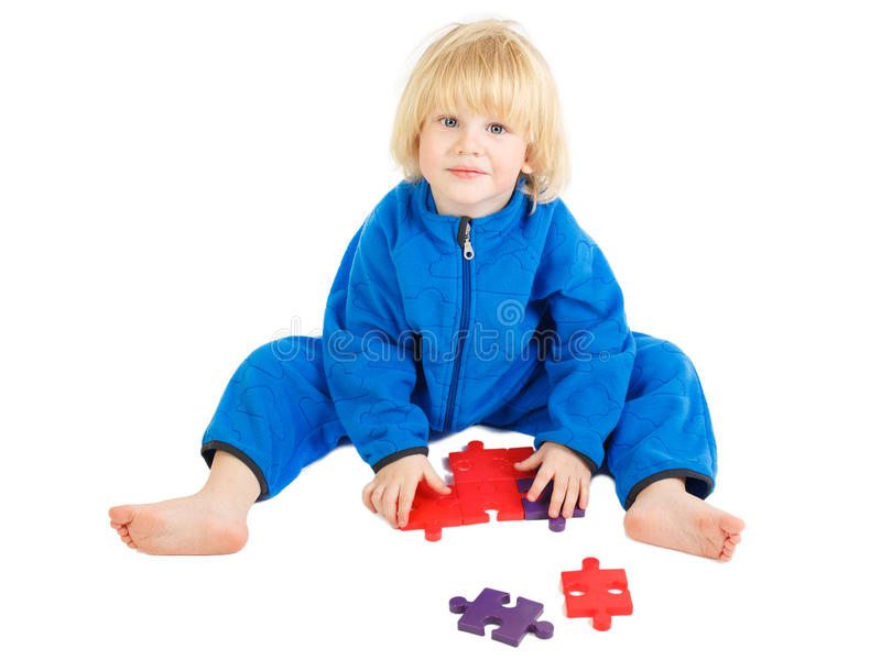 Nette Babyspiele mit Bausatz stockfoto