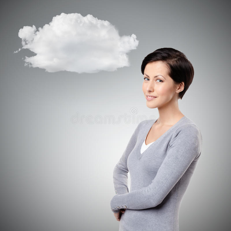 Nette Frau des smiley mit Wolke stockfotografie