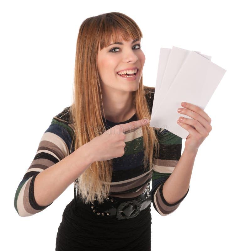 Nette Geschäftsfrau mit Kupons stockbilder