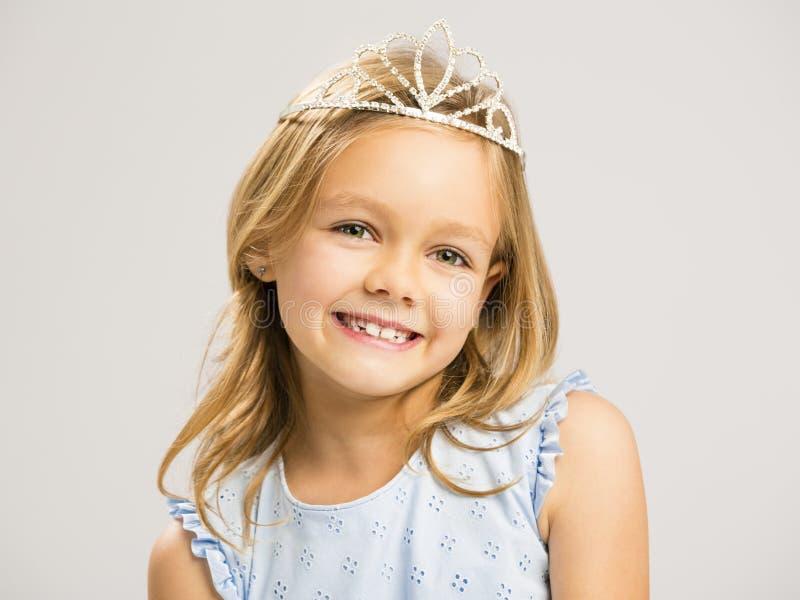 Nette kleine Prinzessin lizenzfreies stockbild
