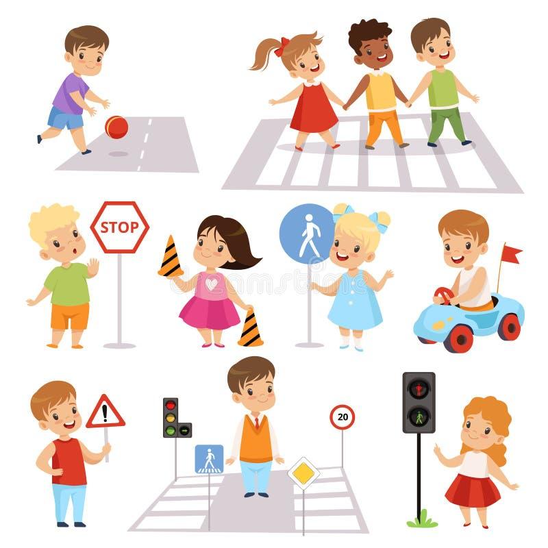 Nette lächelnde Jungen und Mädchen, die Straßen kreuzen und herein Verkehrsschildsatz, Verkehrs-Ausbildung, Regeln, Sicherheit vo stock abbildung