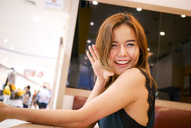 Nette thailändische Frau 2 stockfoto