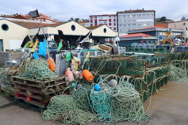 Netten en vallen in de haven stock foto
