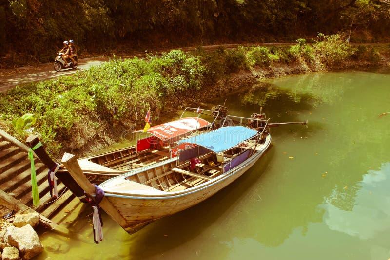 Netter Fluss in Thailand lizenzfreie stockfotografie