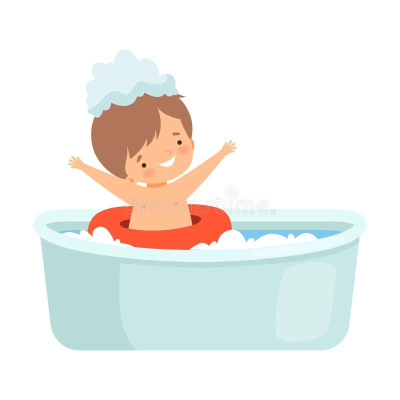 Netter Junge, der Bad nimmt und mit Rettungsring, entzückendes Kleinkind im Badezimmer, tägliche Hygiene-Vektor-Illustration spie stock abbildung
