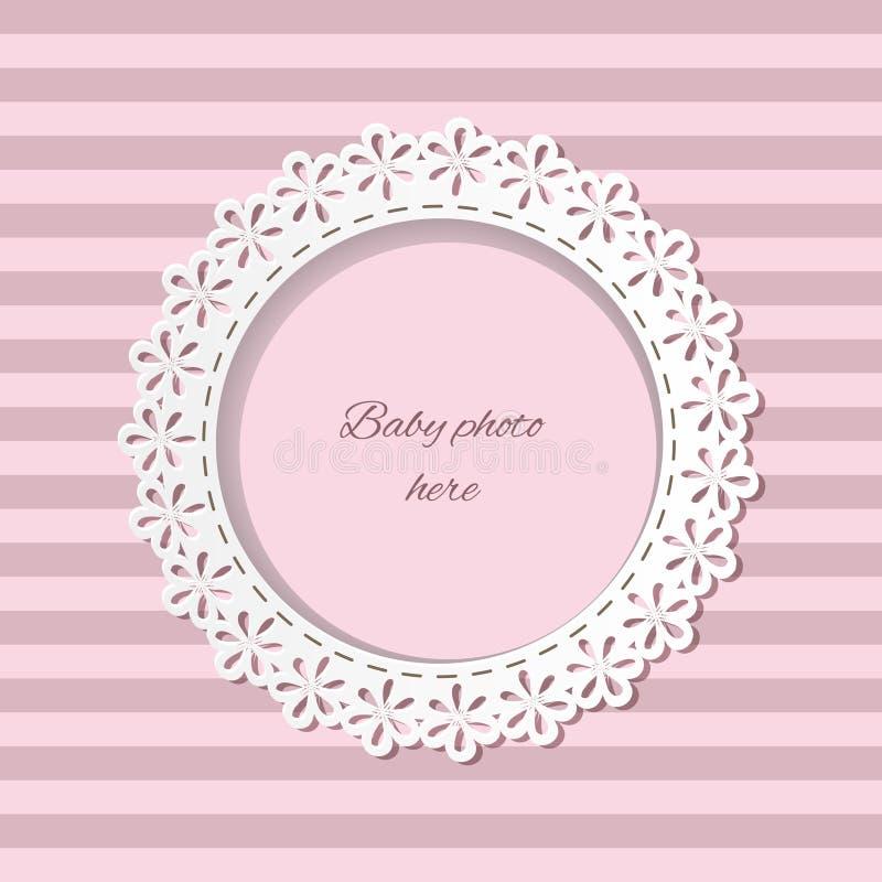 Netter Papierschnitt-Fotorahmen für Baby auf gestreiftem nahtlosem Hintergrund in den rosa Pastellfarben Kann für Babyparty verwe stock abbildung