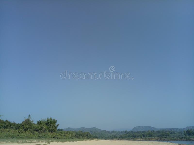 netter Schönheitsplatz des blauen Himmels stockfoto