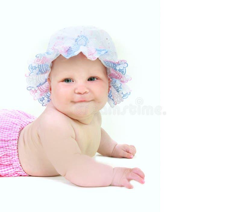 Nettes Baby im Sommerhut lizenzfreie stockfotos