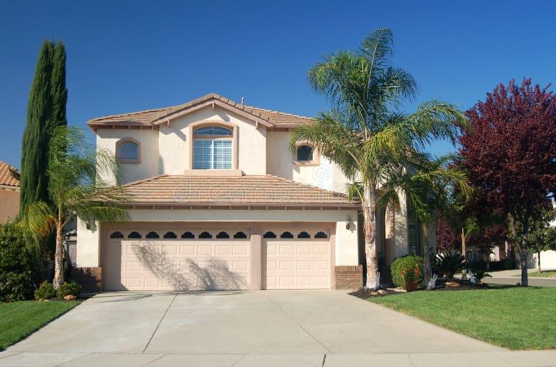 Nettes Haus in Kalifornien lizenzfreie stockfotos