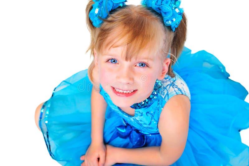Nettes kleines Mädchen im Ballsaalkleid lizenzfreies stockbild