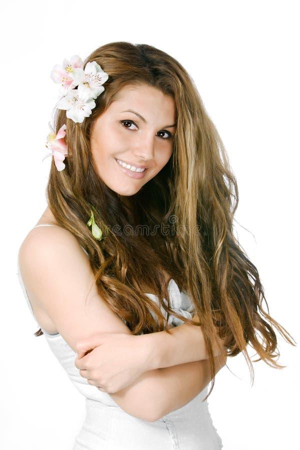 Nettes lächelndes junges Mädchen stockfoto