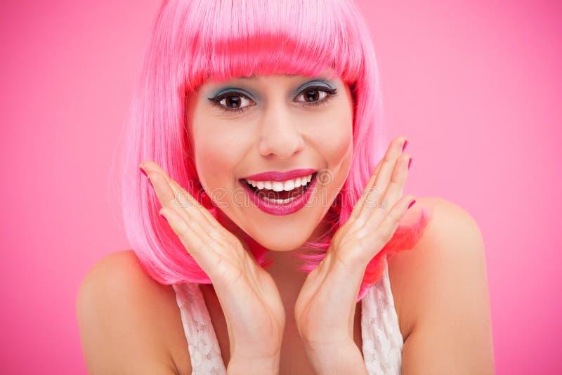 Nettes Mädchen Mit Dem Rosa Haar Stockfotografie