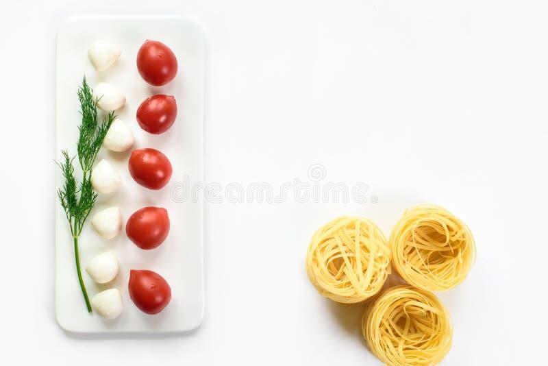 Nettes minimalistic Draufsichtbild eines italienischen Lebensmittelinhaltsstoffs lizenzfreie stockbilder