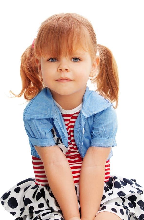 Nettes Portrait des schönen Mädchens lizenzfreie stockbilder