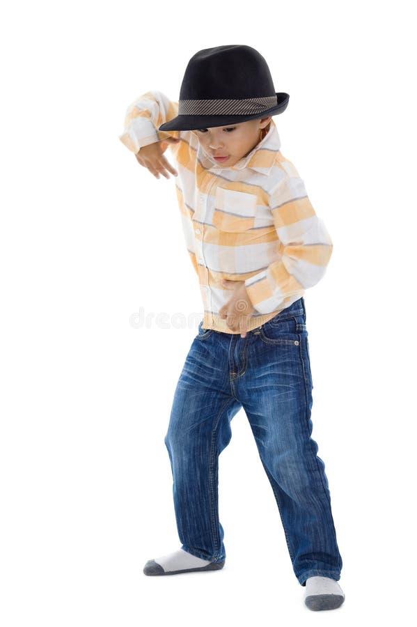 Nettes Tanzen des kleinen Jungen stockbilder