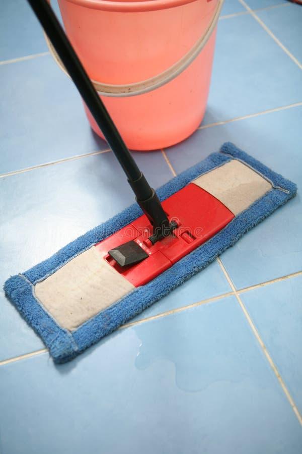 Download Nettoyage image stock. Image du sanitaire, corvées, unhygienic - 8657777