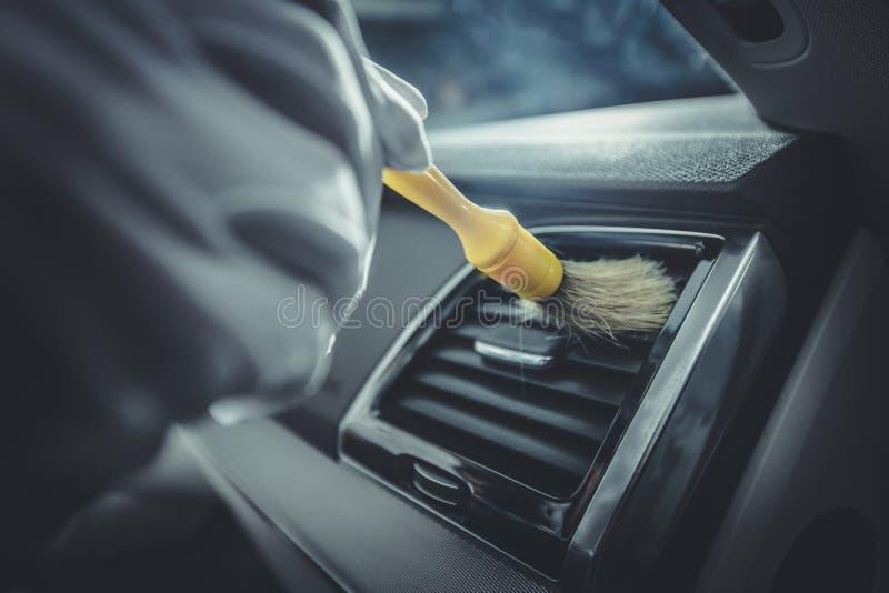 Nettoyage détaillé d'habitacle de voiture image stock