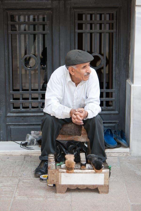 Nettoyeur de chaussures à Istanbul photos libres de droits