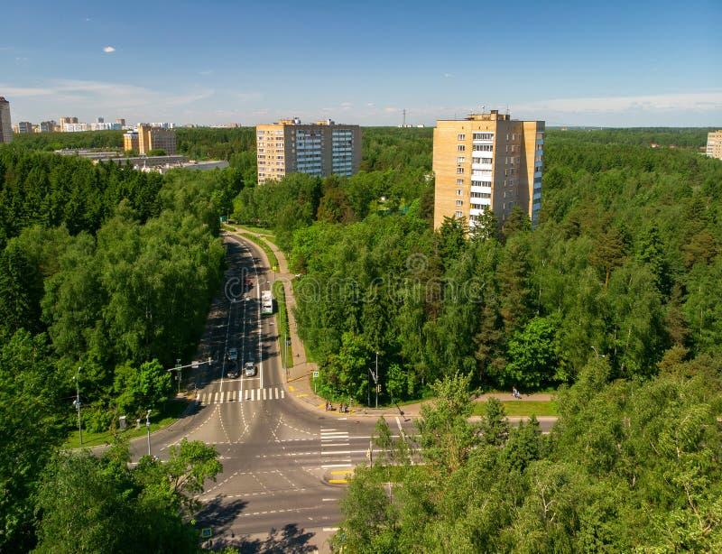 Nettoyez écologiquement le secteur administratif de Zelenograd de Moscou en Russie photos libres de droits
