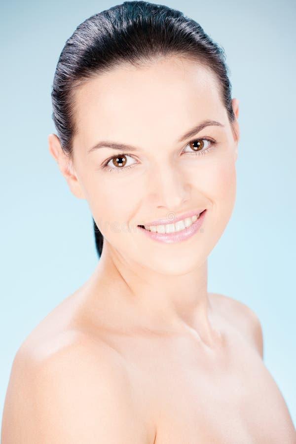 Nettoyez la femme de peau images stock
