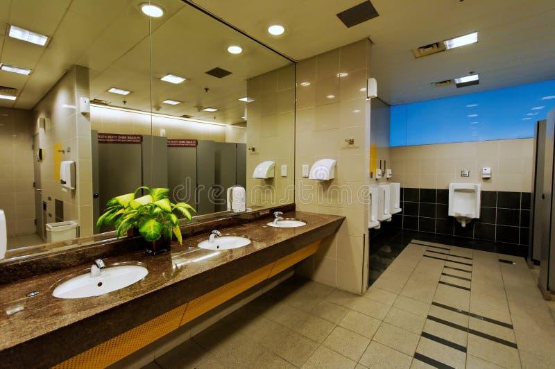 nettoyez la toilette photo libre de droits