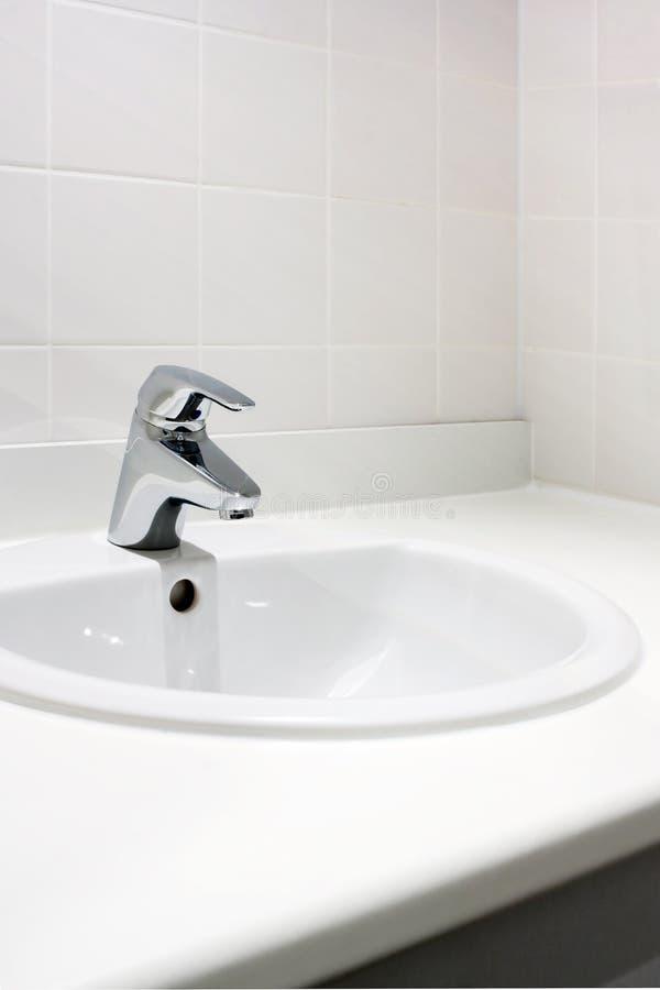 Nettoyez le lavabo images stock