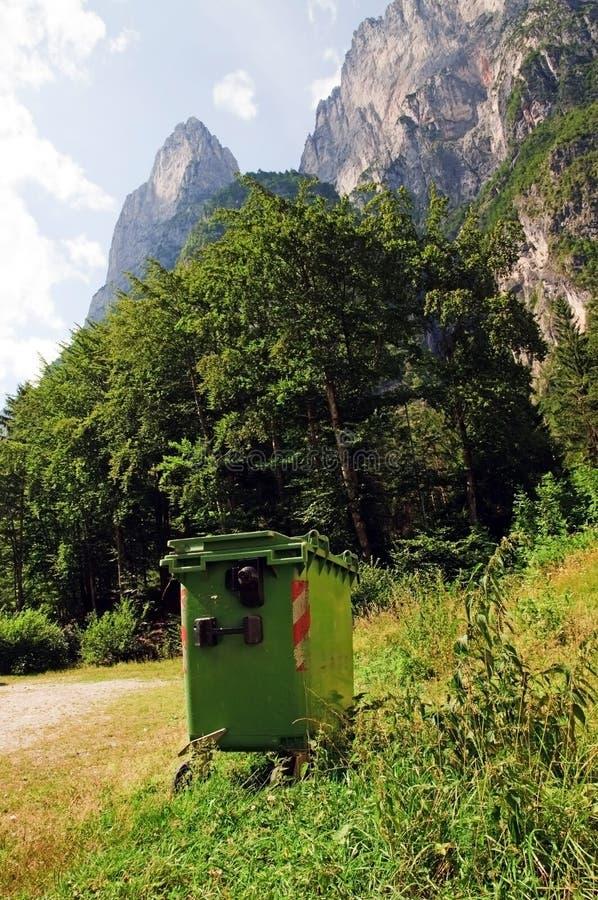 Nettoyez les montagnes photographie stock