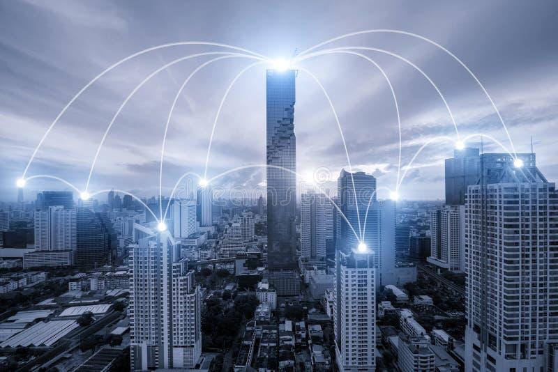 Netwerk bedrijfsconectionsysteem op de stad van Bangkok op achtergrond royalty-vrije stock afbeelding