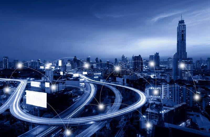 Netwerk en Verbindingstechnologieconcept Bangkok Van de binnenstad hallo stock afbeelding