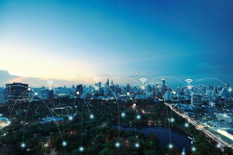 Netwerkverbindingen tussen stad en parkachtergrond, netwerk en verbinding royalty-vrije stock afbeeldingen