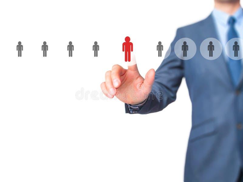 Networking i rekrutacja - biznesmen ręki odciskania guzik dalej obraz royalty free