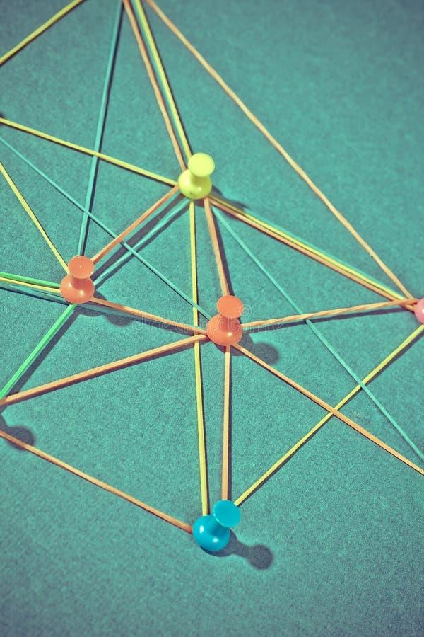 Netz mit Stiften lizenzfreies stockbild