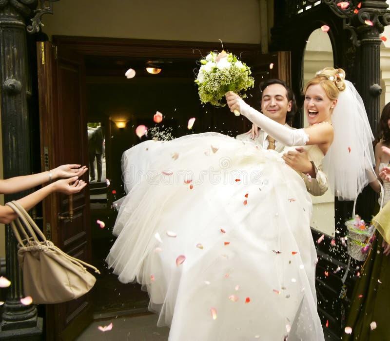 Neu-geheiratet lizenzfreie stockfotos