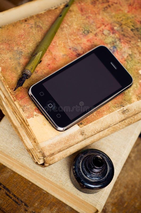Download Neu und alt stockbild. Bild von ausbildung, plan, connect - 12646075